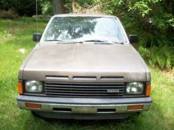omanthegiants 1987 Nissan D21 Pick-Up