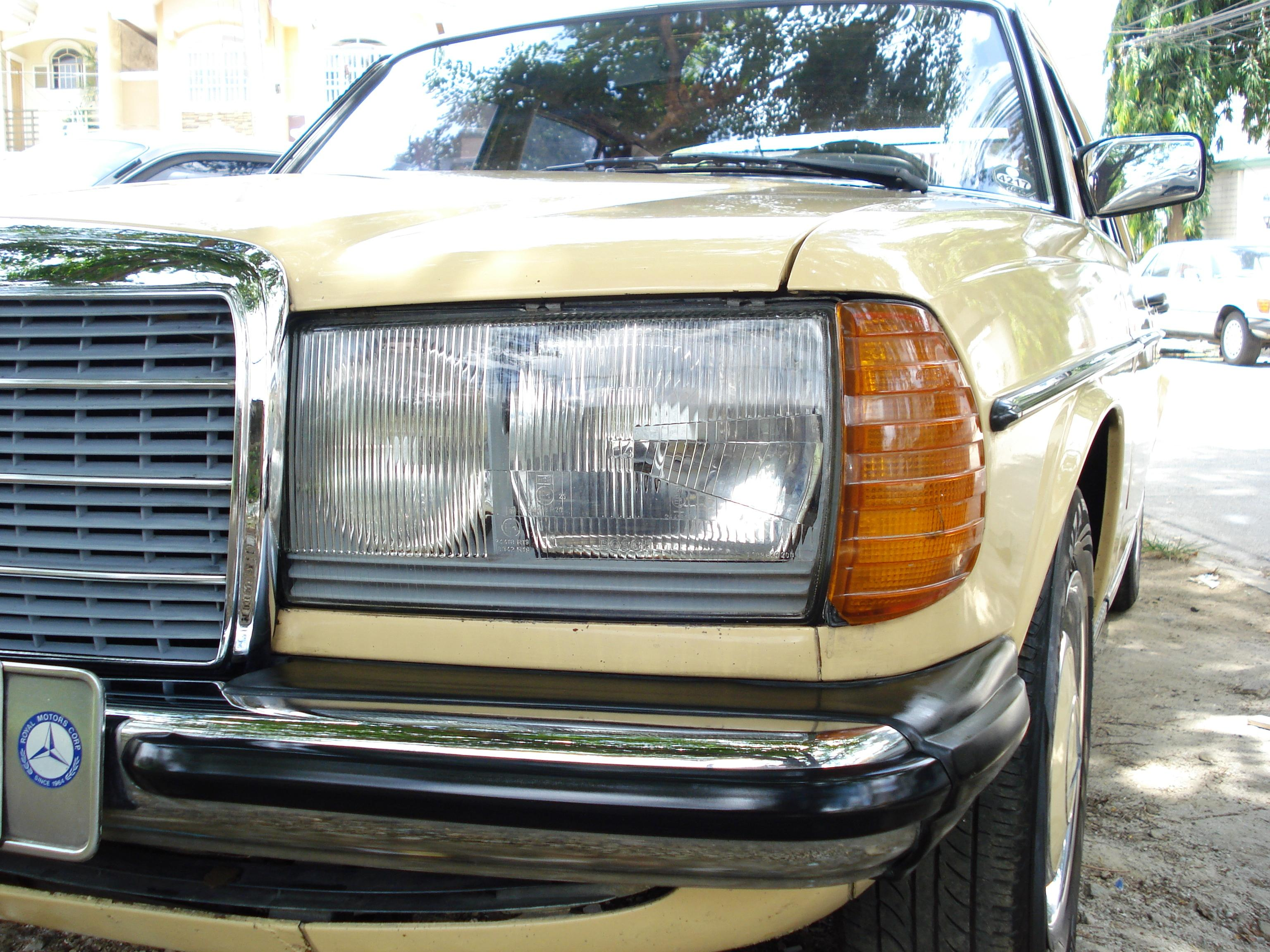 Another 168168 1981 Mercedes-Benz 200 post... - 14449510