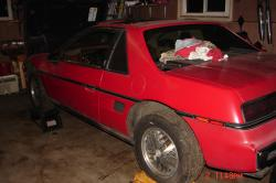 whoaths 1984 Pontiac Fiero