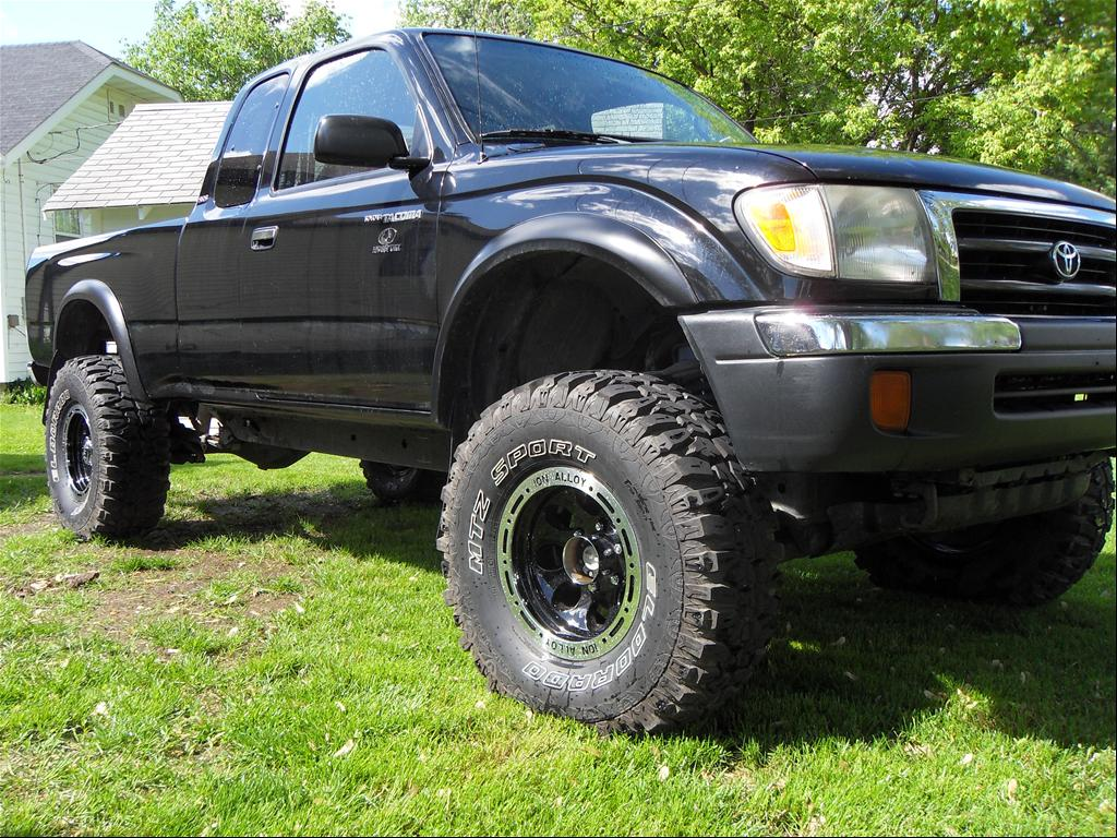 Toyota Pickup 4x4 Xtra Cab Manual For Sale