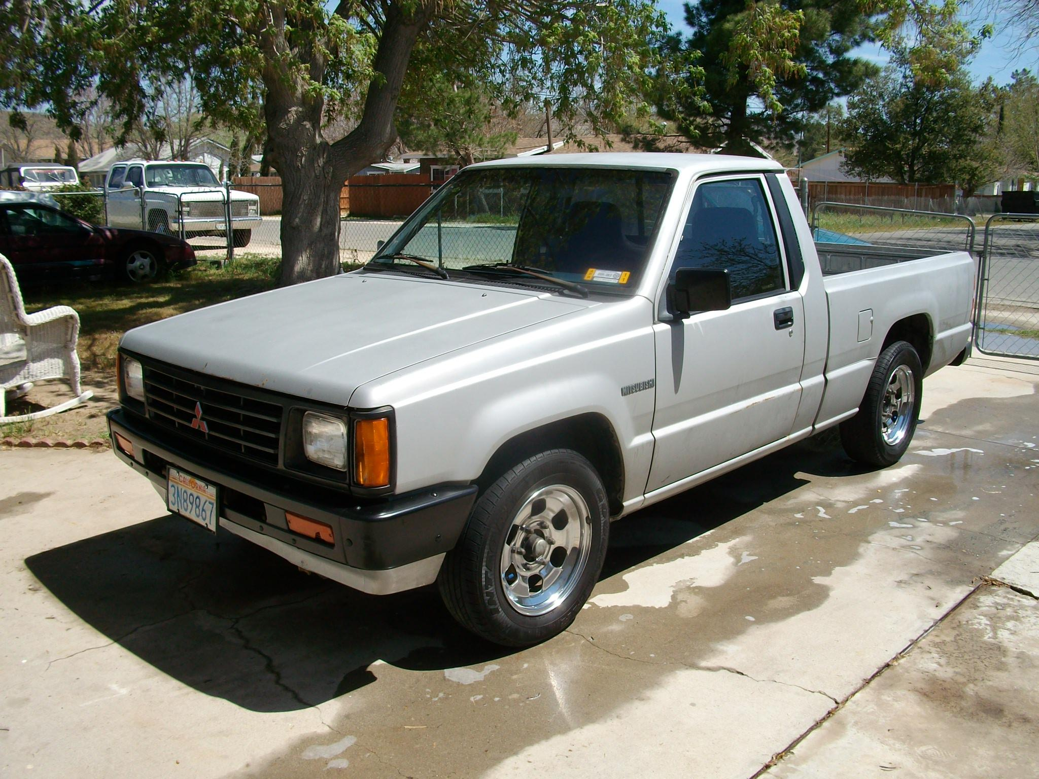 86pbody 1988 Mitsubishi Mighty Max Macro Cab Specs  Photos  Modification Info At Cardomain