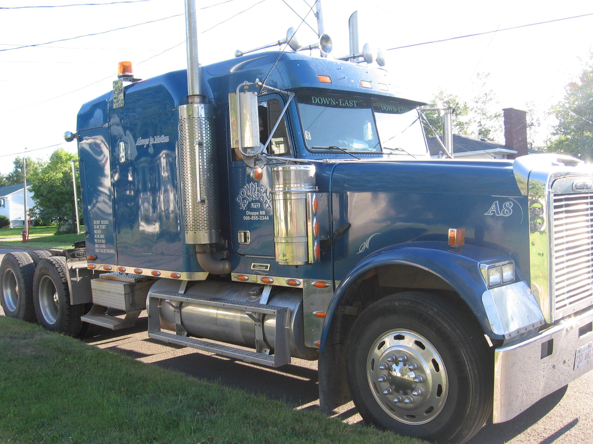 Another krazysunbird 2002 Freightliner Classic post... - 14475148