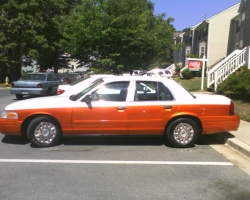 Yung_Butlas 2004 Ford Crown Victoria 