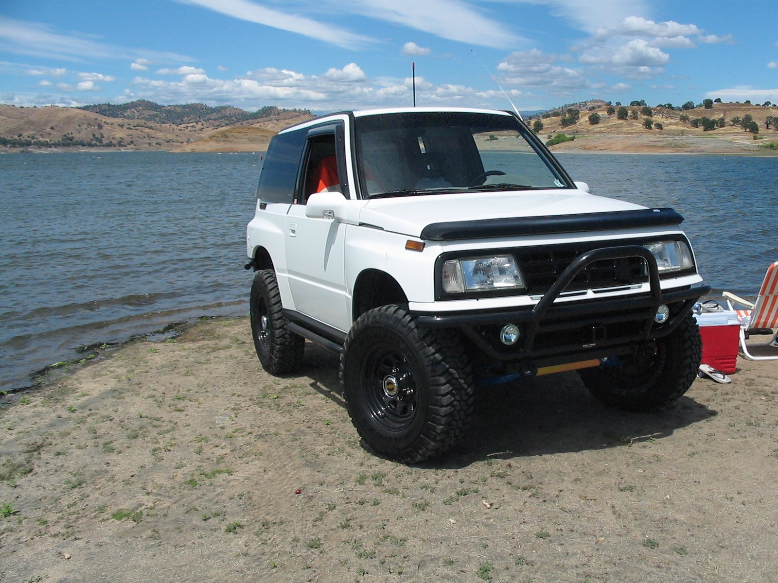 djlantis57 1990 geo tracker specs photos modification info at cardomain. Black Bedroom Furniture Sets. Home Design Ideas