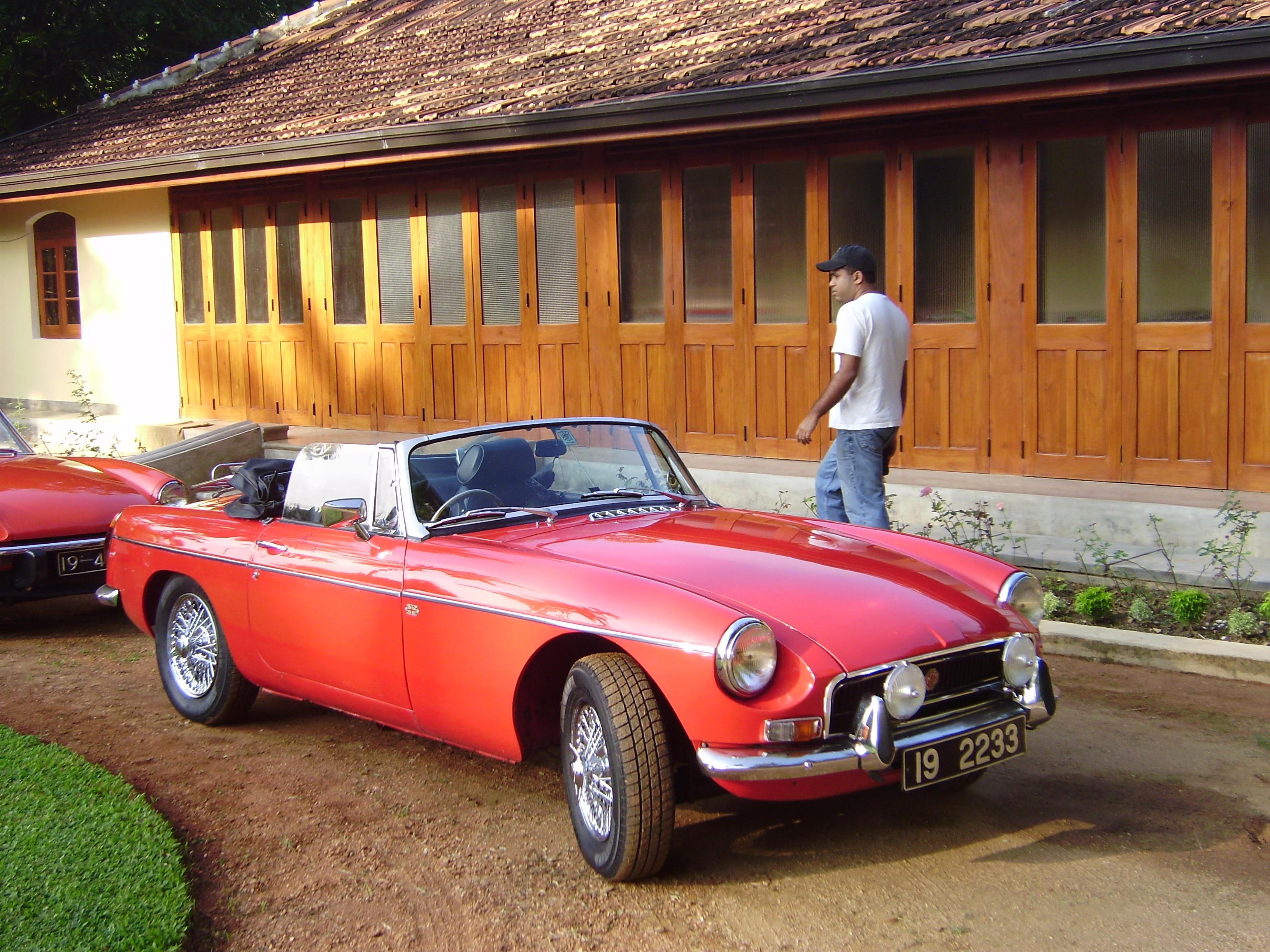 Another carmadness12 1967 MG MGB post... - 14489959