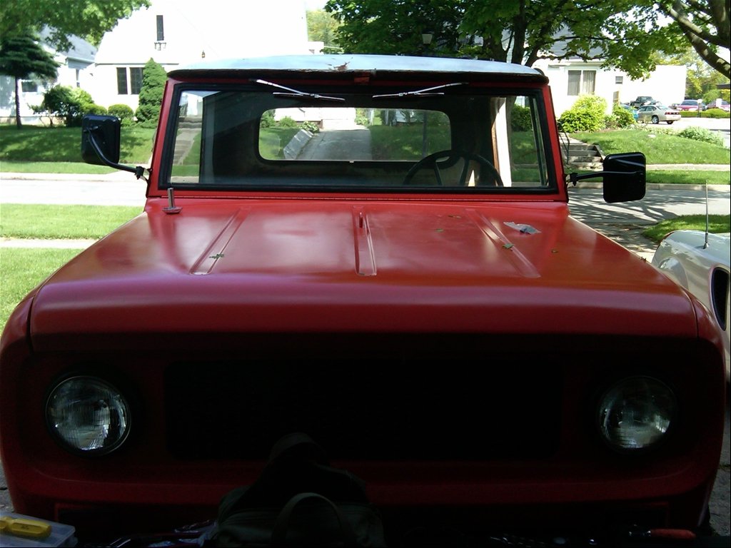 1964 International Scout http://www.cardomain.com/ride/3858653/1964-international-scout/