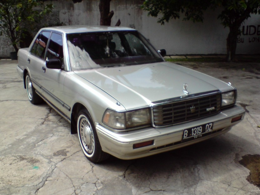 040807 1991 Toyota Crown 14492455