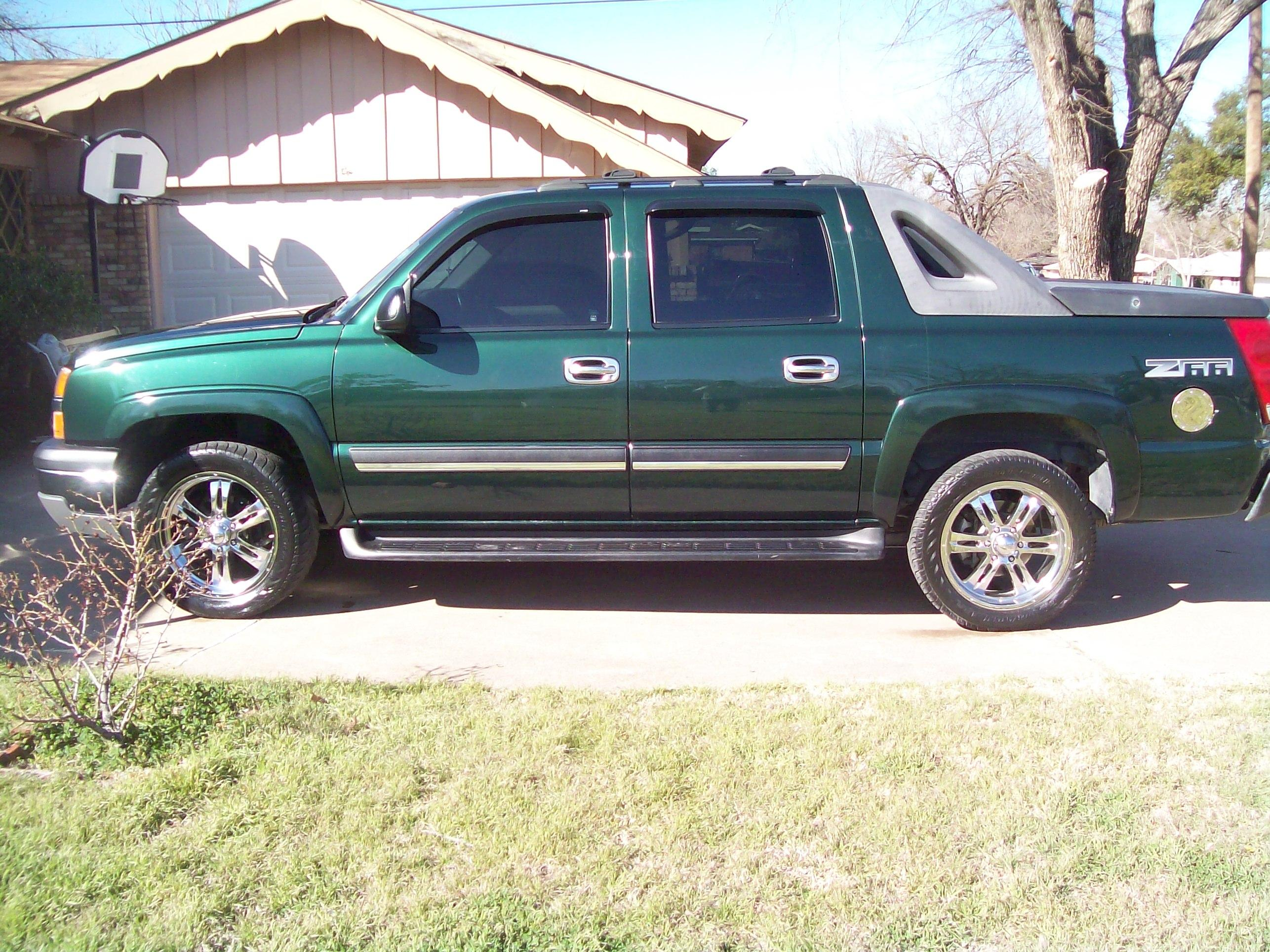 green24s 2004 chevrolet avalanche specs photos modification info at cardomain. Black Bedroom Furniture Sets. Home Design Ideas