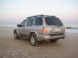 BroncoDubss 2004 Nissan Pathfinder 