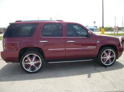 TRiLL3STxN8TiV3s 2007 GMC Yukon Denali