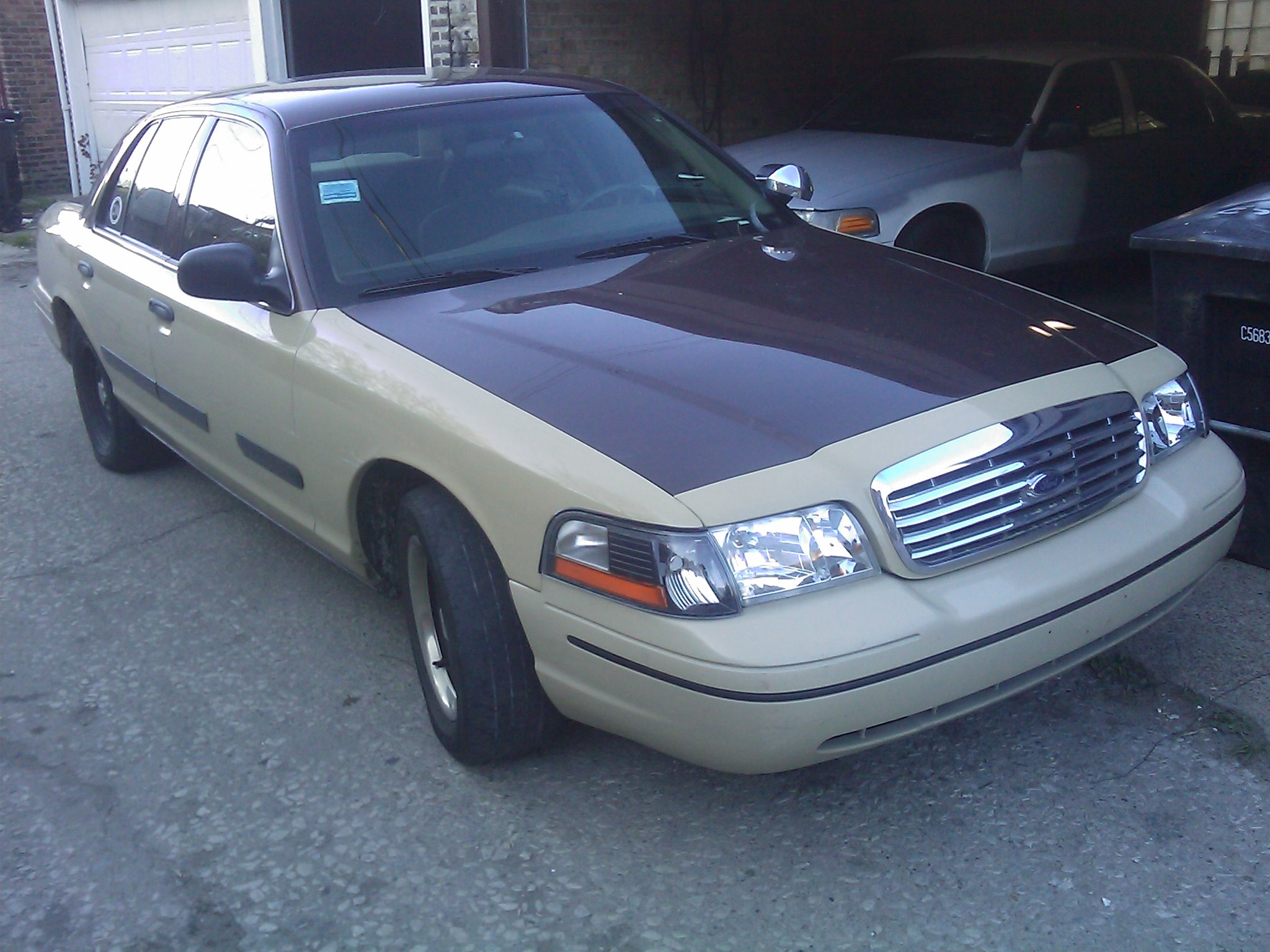Djchicago 2002 Ford Crown Victoria 14505007