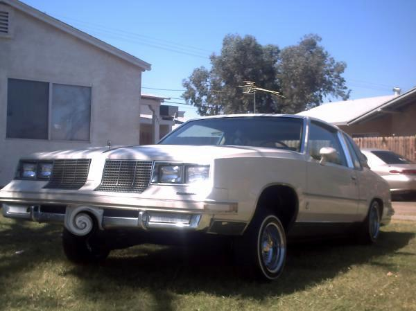 1985 Oldsmobile 442 Specs http://flipacars.com/searches/Oldsmobile-cutlass-supreme-1985/