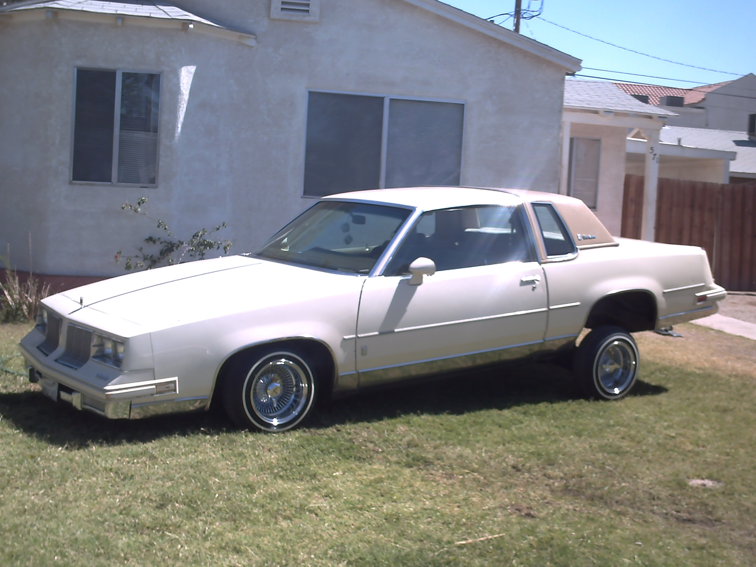 Another soyesecesar 1985 Oldsmobile Cutlass Supreme post... - 14509593