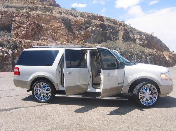 Cronsmoka  Ford Expedition El _original