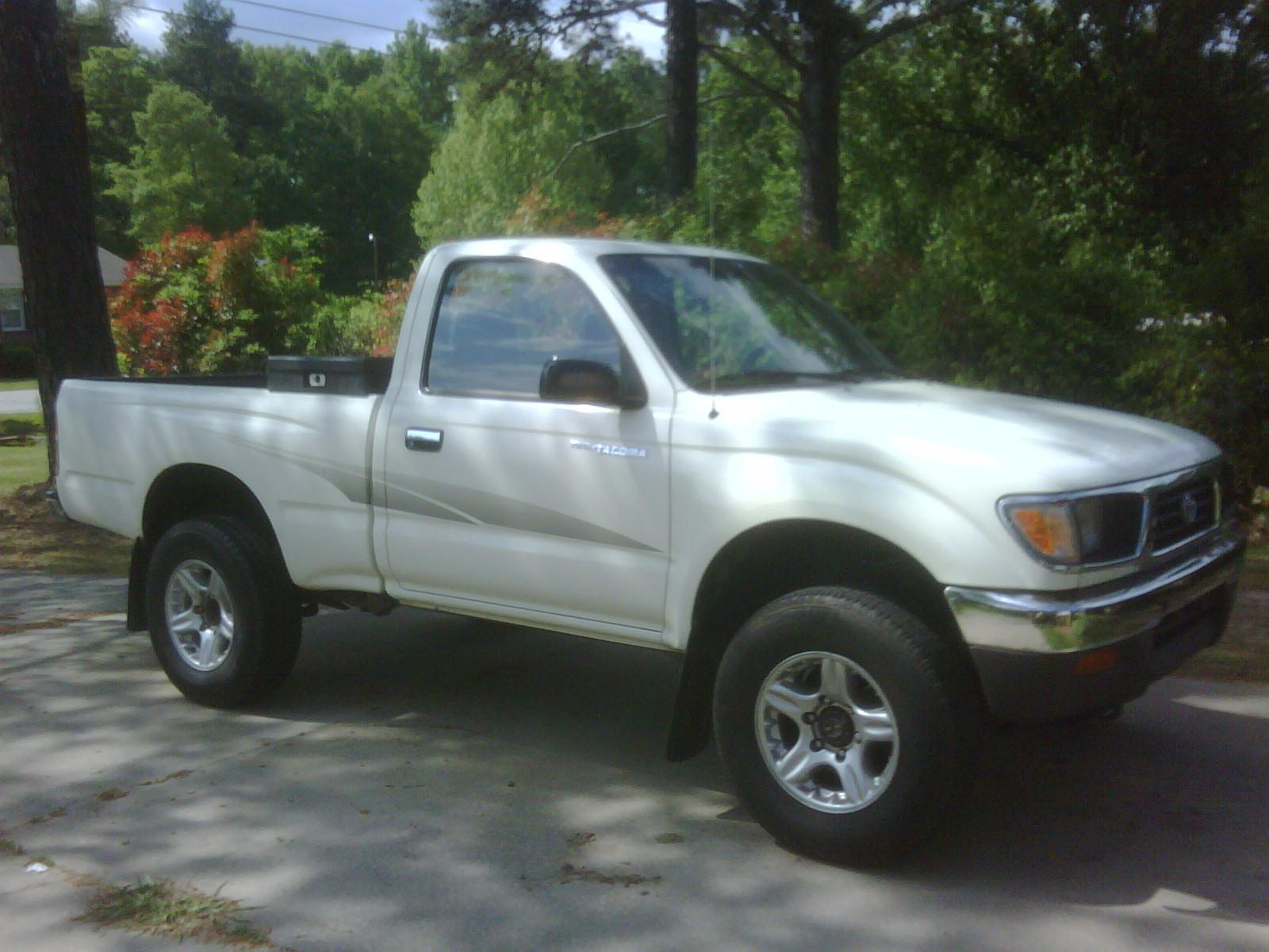 bennylove 39 s 1995 toyota tacoma xtra cab in chester sc. Black Bedroom Furniture Sets. Home Design Ideas