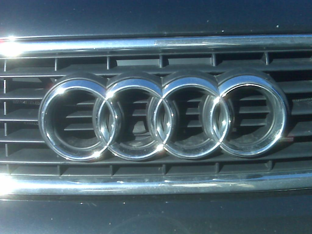 Another whitete 2002 Audi A4 post... - 14522438