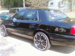 krucial3s 2003 Ford Crown Victoria