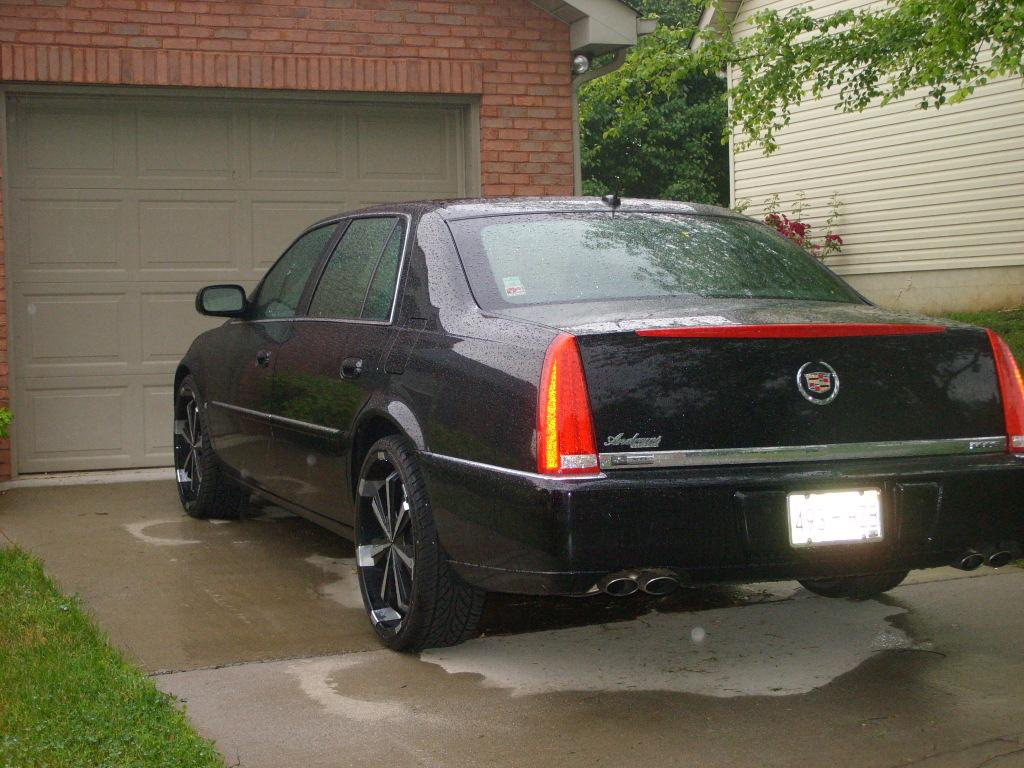 photo original gallery lacnthng at ride s dtssedan dts for sale cadillac cardomain
