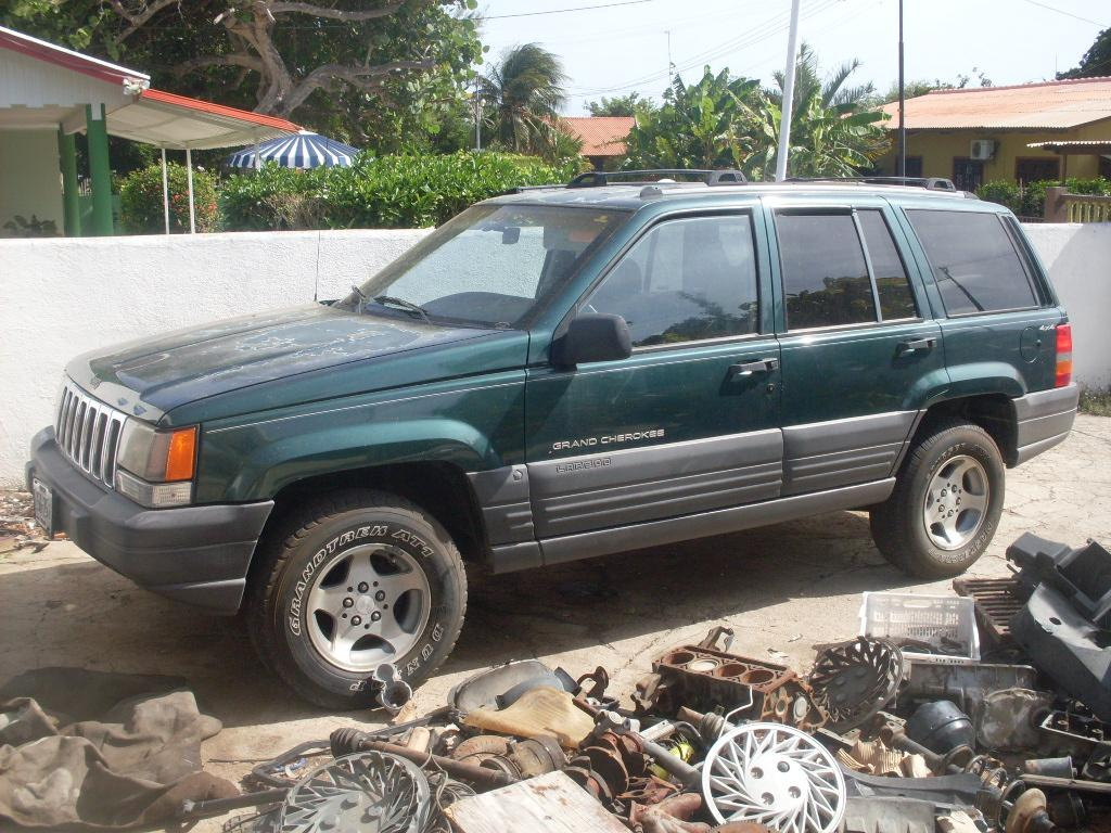 Dede23 1996 Jeep Grand Cherokeelaredo Sport Utility 4d Specs Photos Modification Info At Cardomain