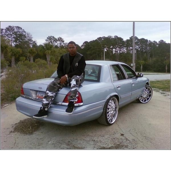 Another kd_welch 2003 Ford Crown Victoria post... - 14543808