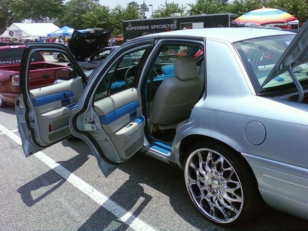 Another kd_welch 2003 Ford Crown Victoria post... - 14543825