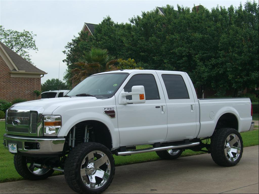 Camo Ford F250 Jacked Up http://www.cardomain.com/ride/3863294/2008-ford-f250-super-duty-crew-cab/