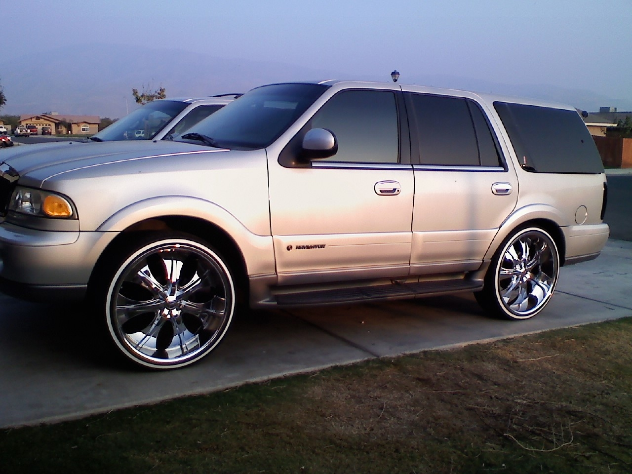 Jasong7 2001 Lincoln Navigator Specs Photos Modification Info At Cardomain