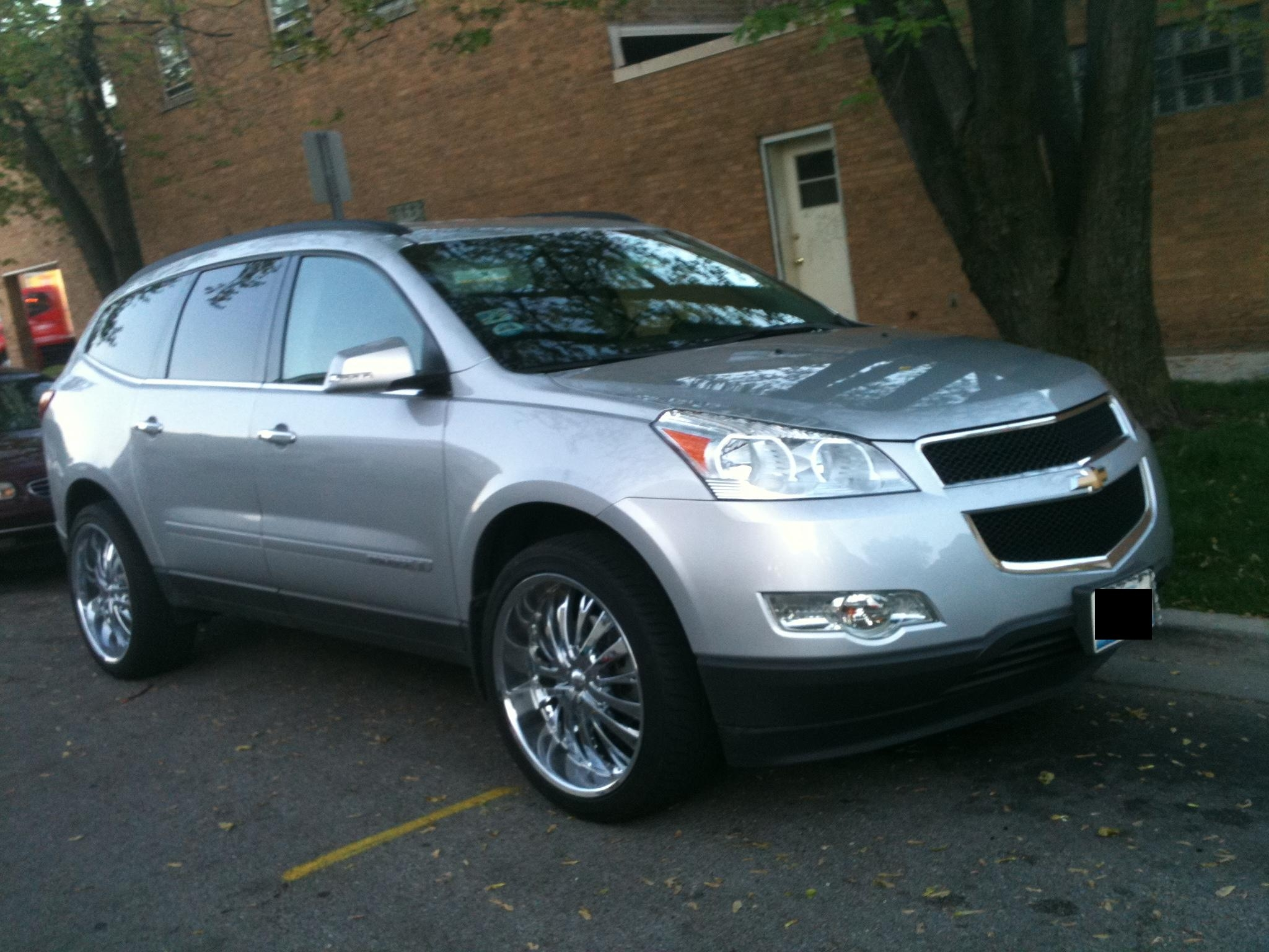 B3rriito321 2009 Chevrolet Traverselt Sport Utility 4d S
