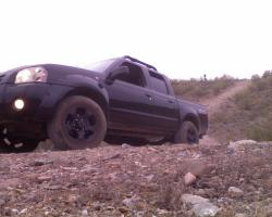 tripson 2001 Nissan Frontier Crew Cab