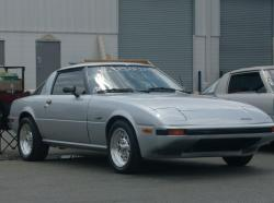 uniquefocuss 1985 Mazda RX-7