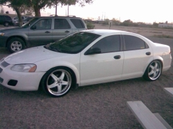 castillo4s 2004 Dodge Stratus