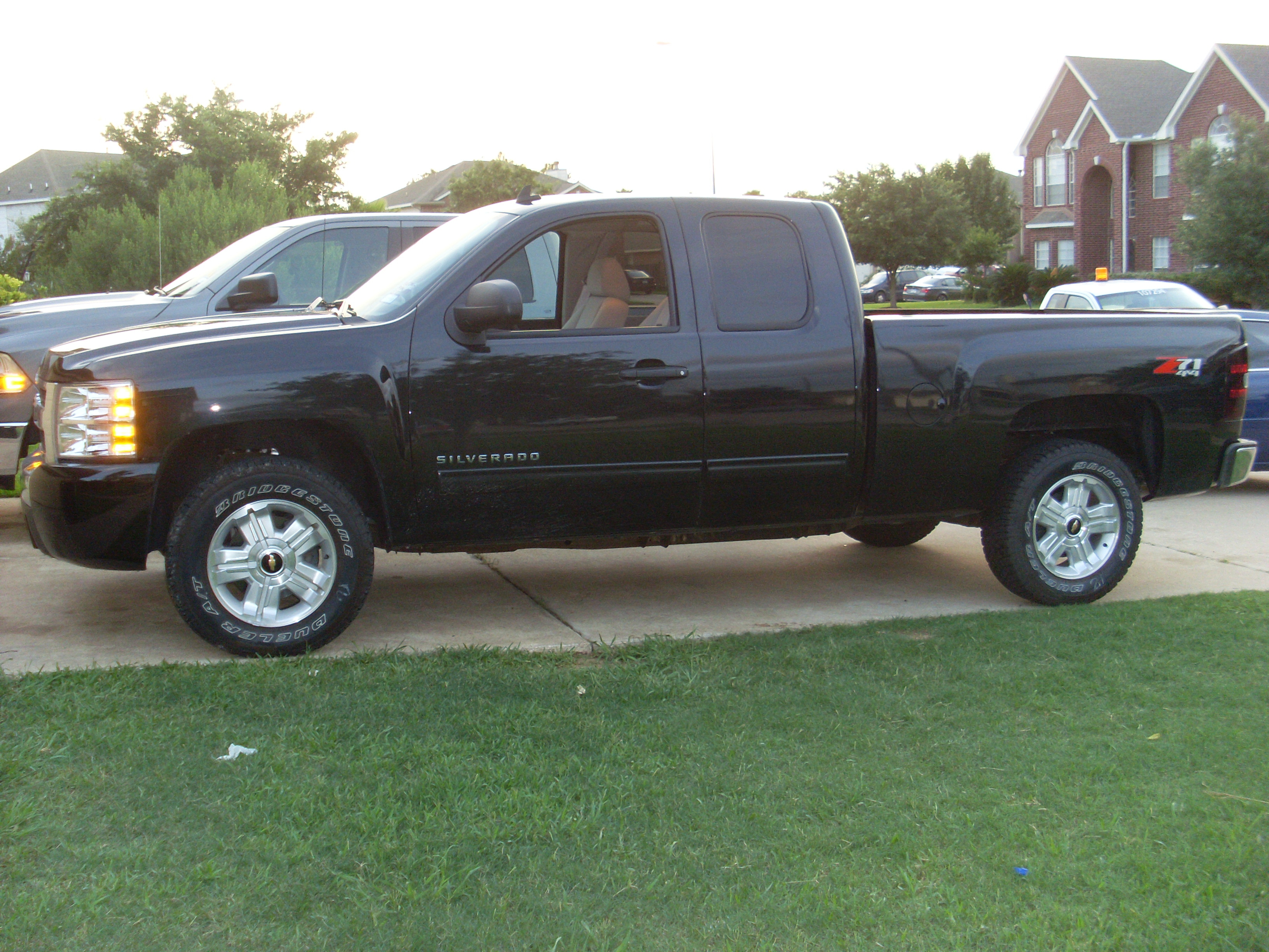 ronniesk8 2009 chevrolet silverado 1500 extended cab specs photos modification info at cardomain. Black Bedroom Furniture Sets. Home Design Ideas