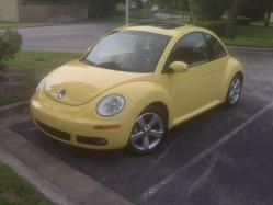 saveabox83 2006 Volkswagen New Beetle