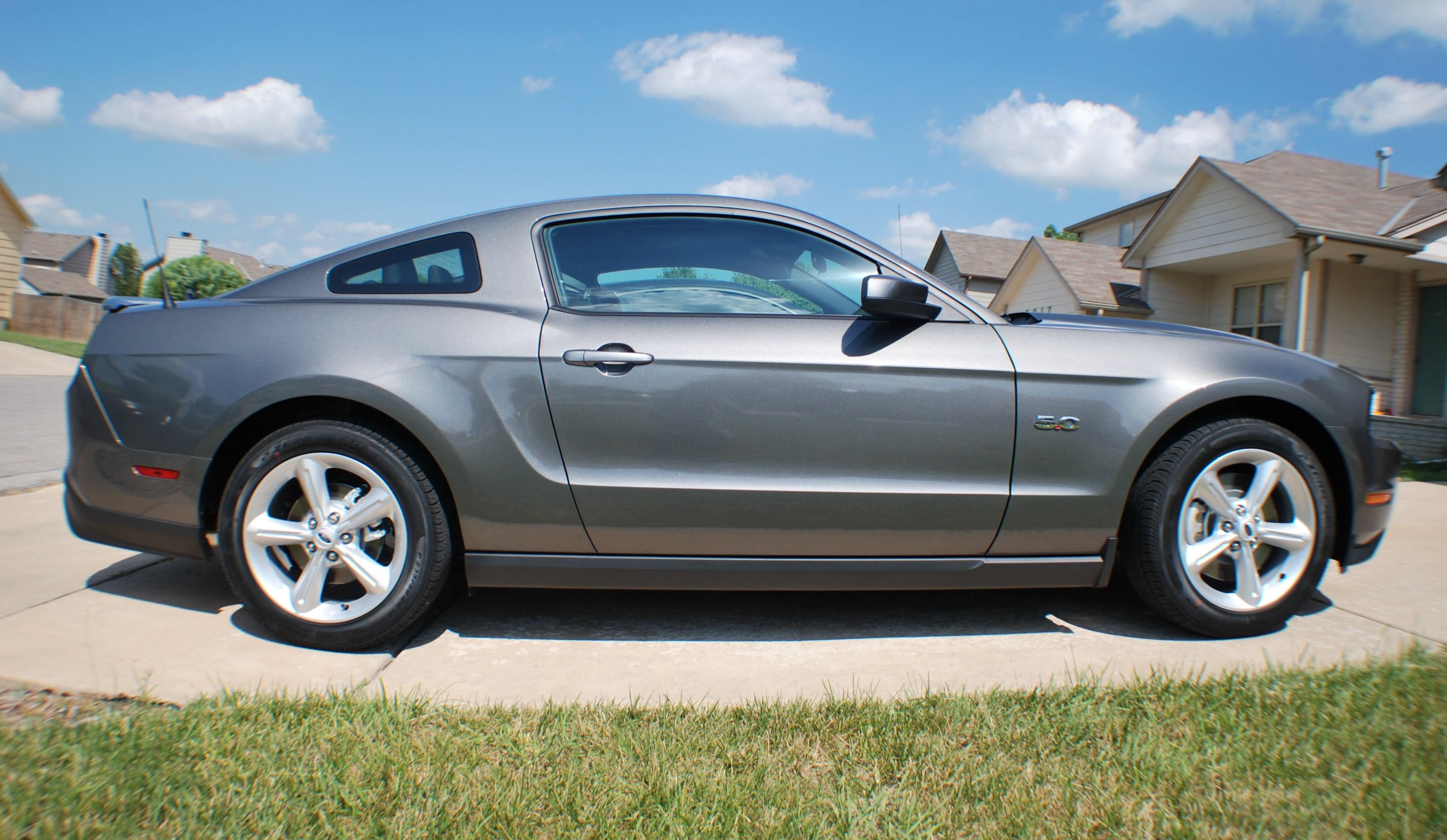 luillo69 2011 Ford Mustang 14580111
