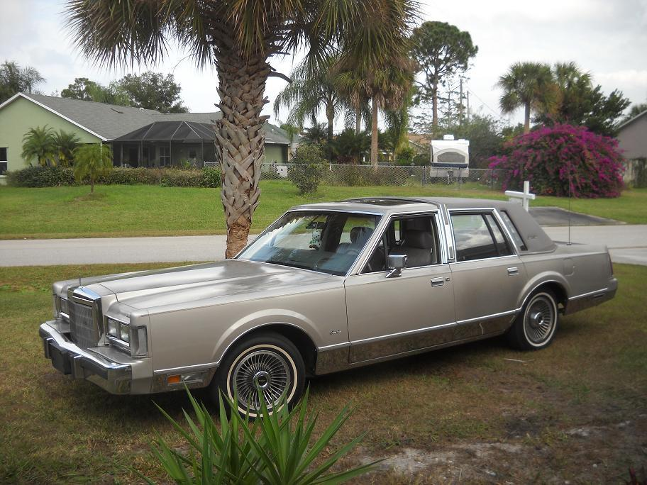 Mr88LincolnBox 1988 Lincoln Town Car Specs, Photos