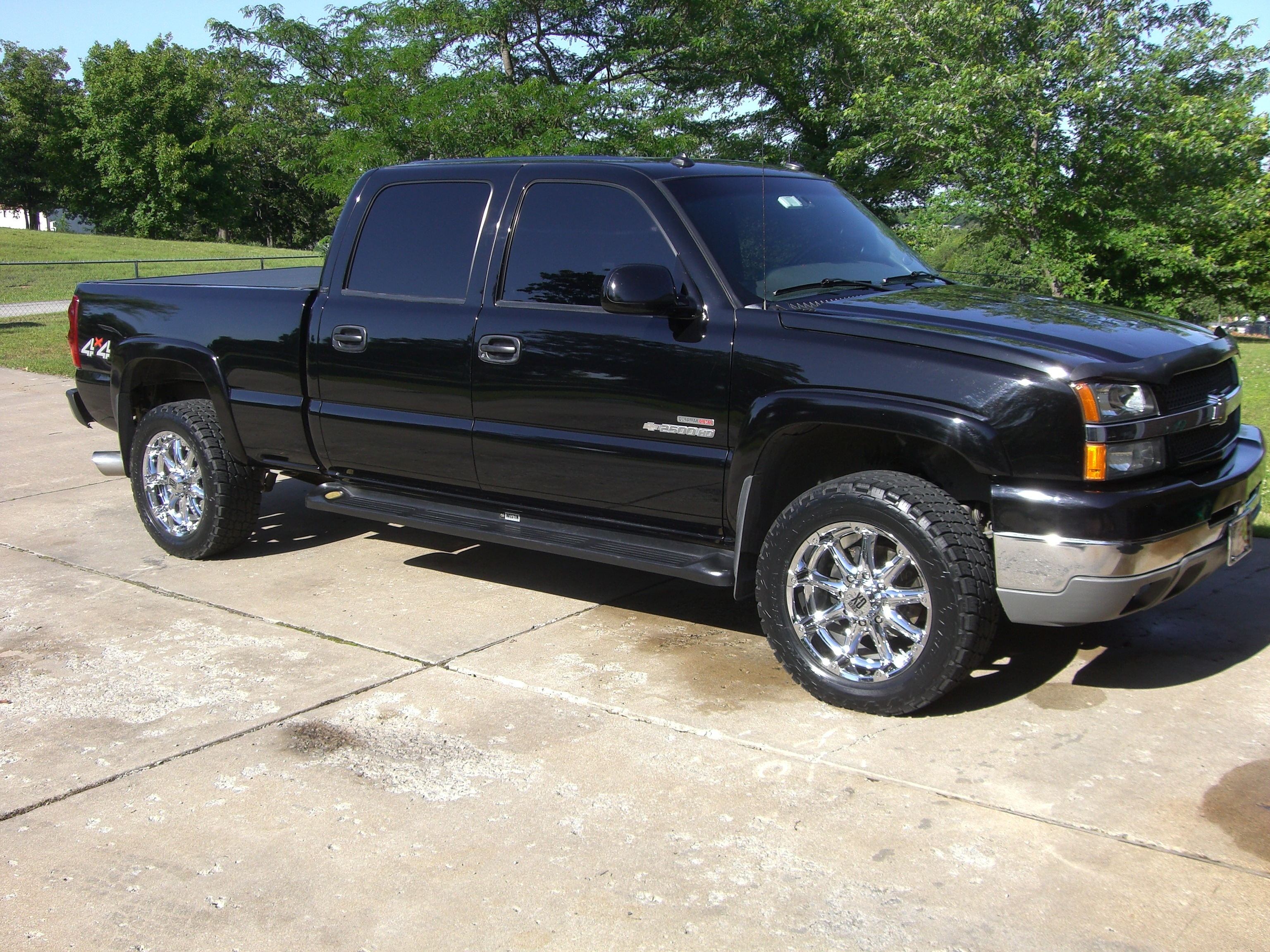 ryantruks 2003 chevrolet silverado 2500 hd crew cab specs photos modification info at cardomain. Black Bedroom Furniture Sets. Home Design Ideas