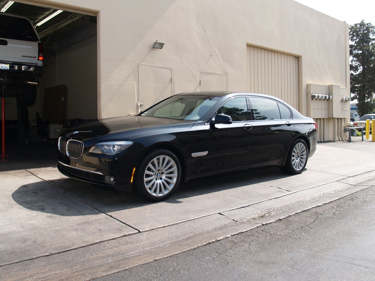 Another slmd64 2010 BMW 7 Series post... - 14598047