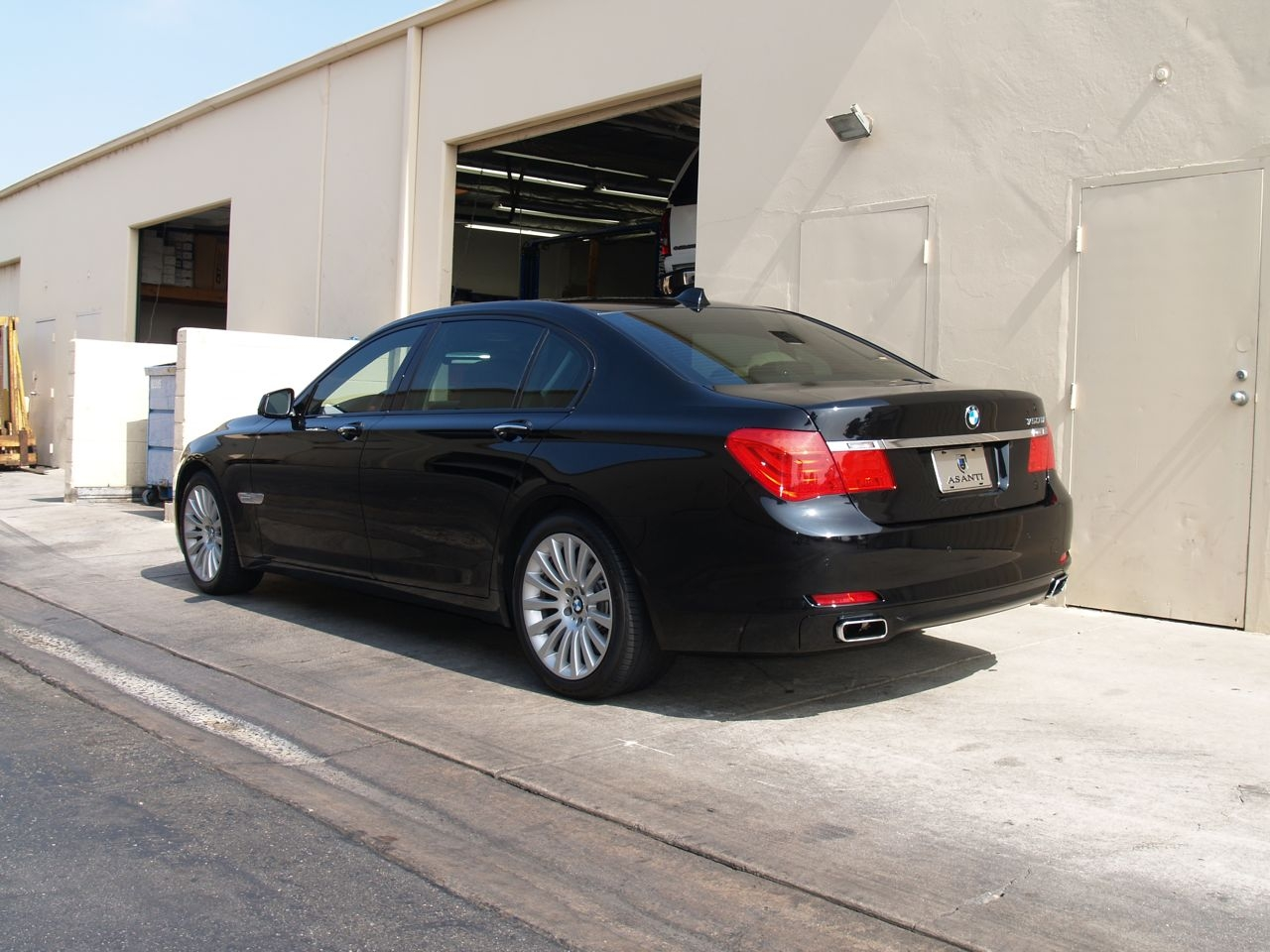 Another slmd64 2010 BMW 7 Series post... - 14598048