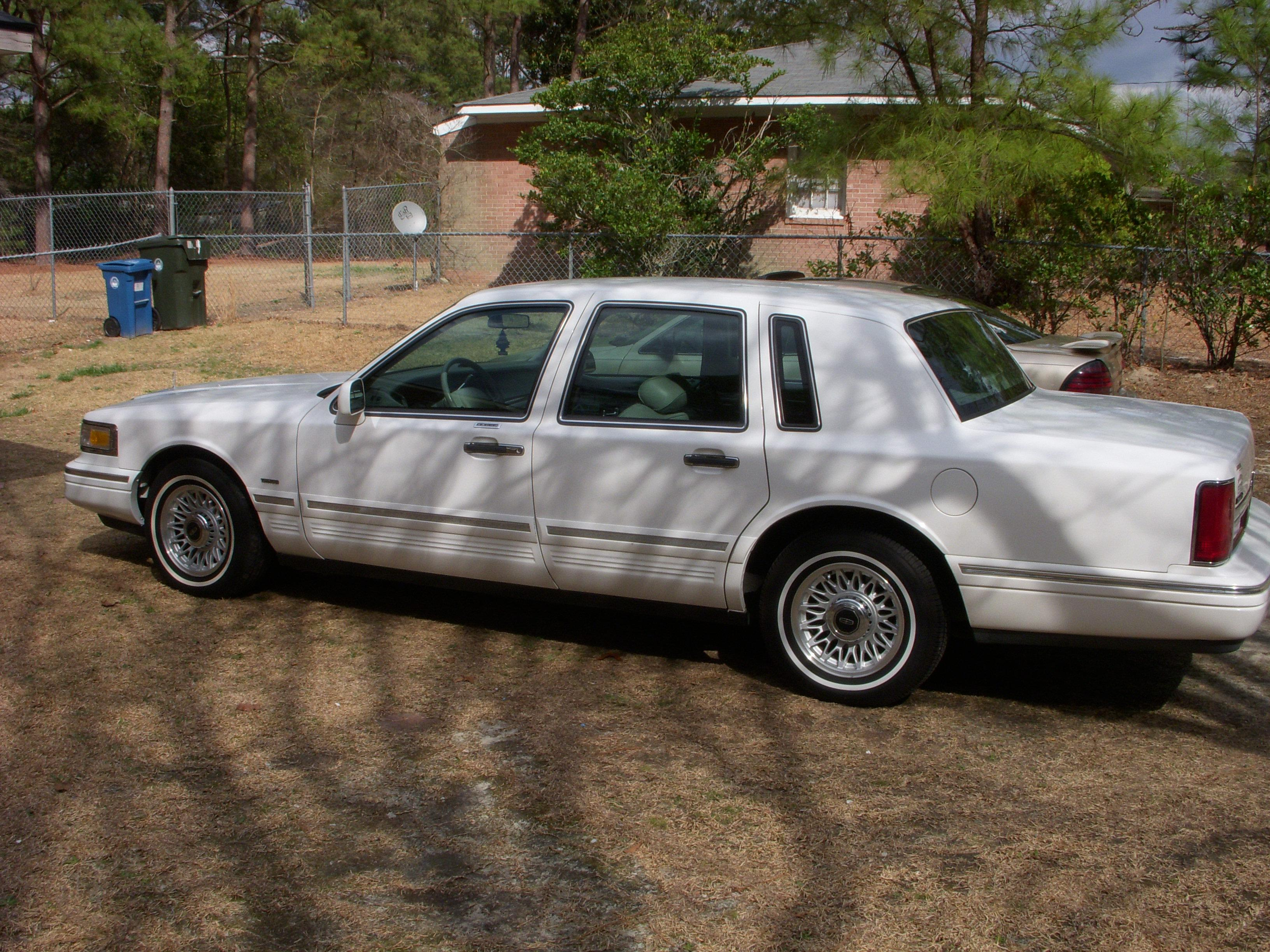 Nissan Fayetteville Nc >> EasTex 1996 Lincoln Town CarExecutive Sedan 4D Specs ...