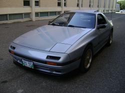 P_Lavs 1986 Mazda RX-7