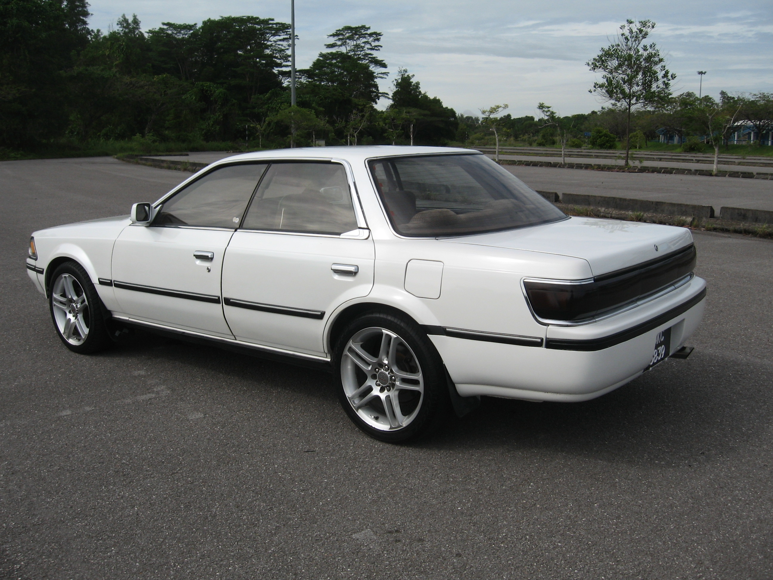 Another 701222-13-5077 1988 Toyota Carina post... - 14622996