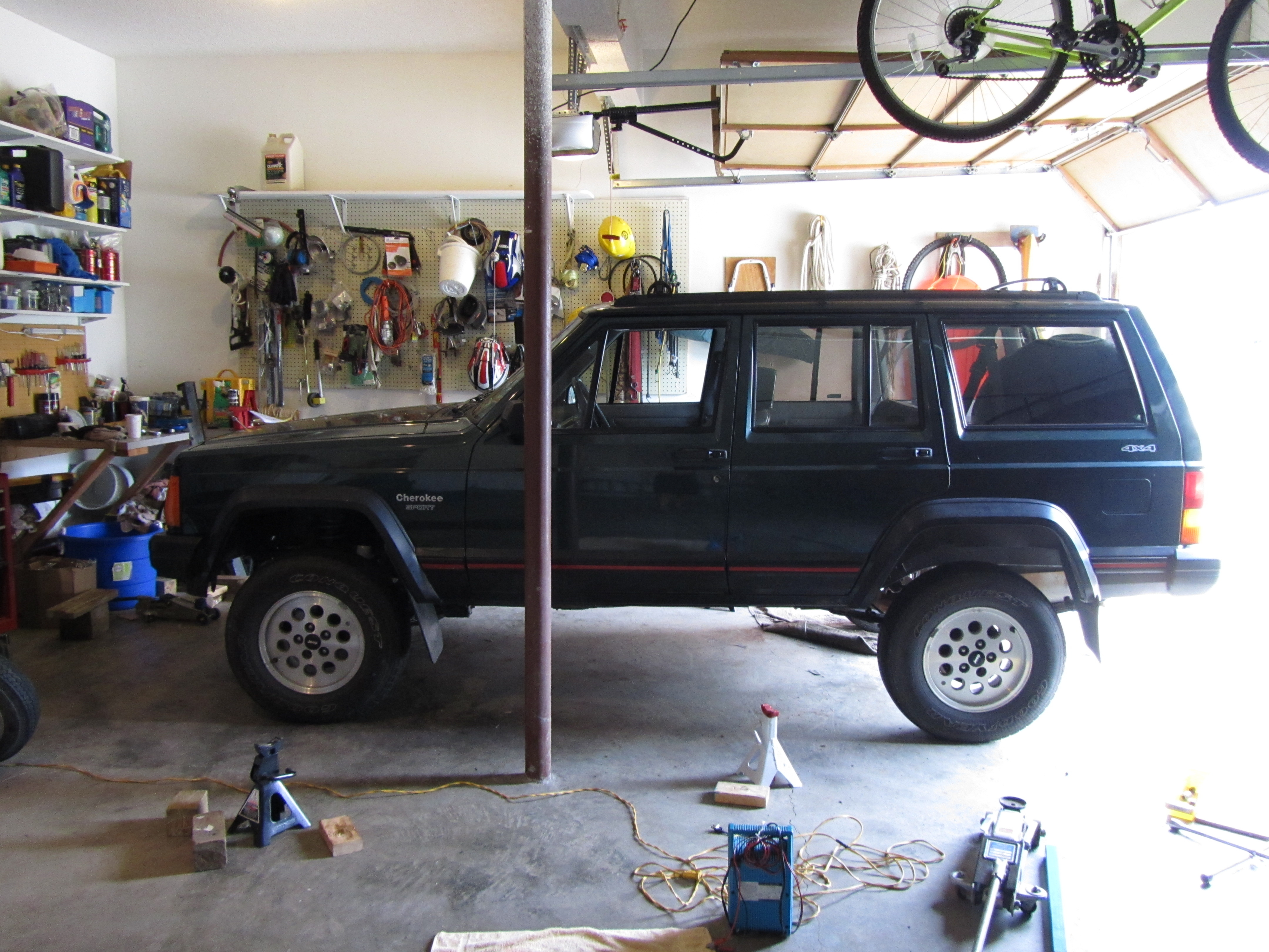 Another goss8037 1994 Jeep Cherokee post... - 14623051