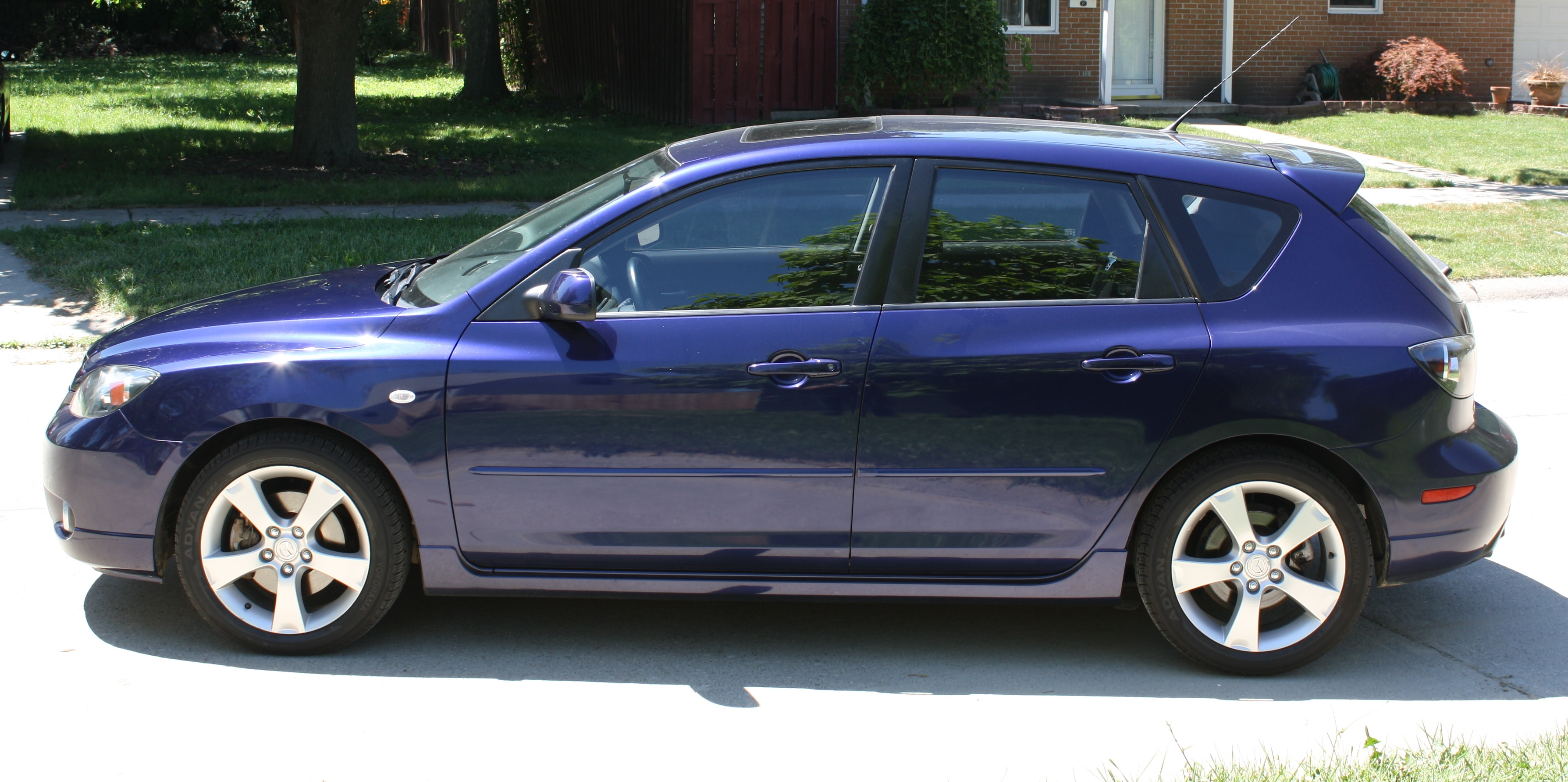 EvilSandon 2004 Mazda MAZDA3s Hatchback 4D Specs, Photos ...