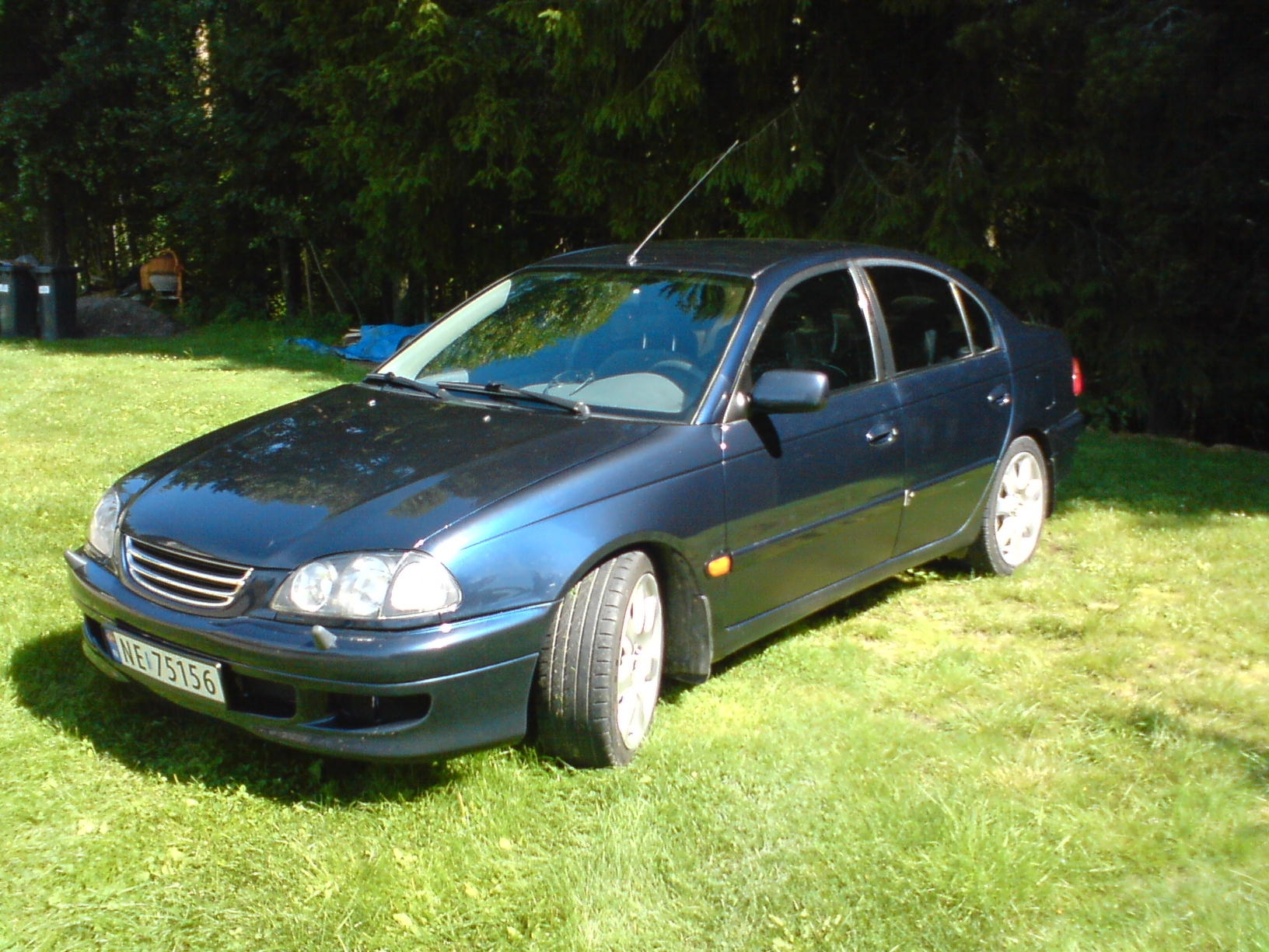 Another 01077 1998 Toyota Avensis post... - 14626884