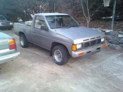 guitarsmasher80s 1987 Nissan D21 Pick-Up