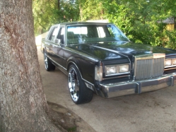 fredfred23 1986 Lincoln Town Car