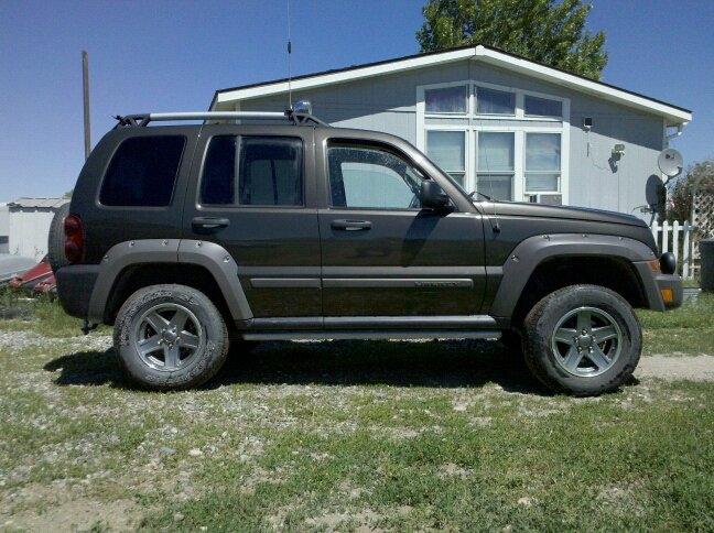 boebr1 2006 Jeep Liberty 14635722
