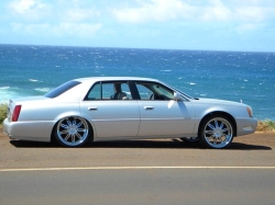 sqyntz4220s 2003 Cadillac DeVille