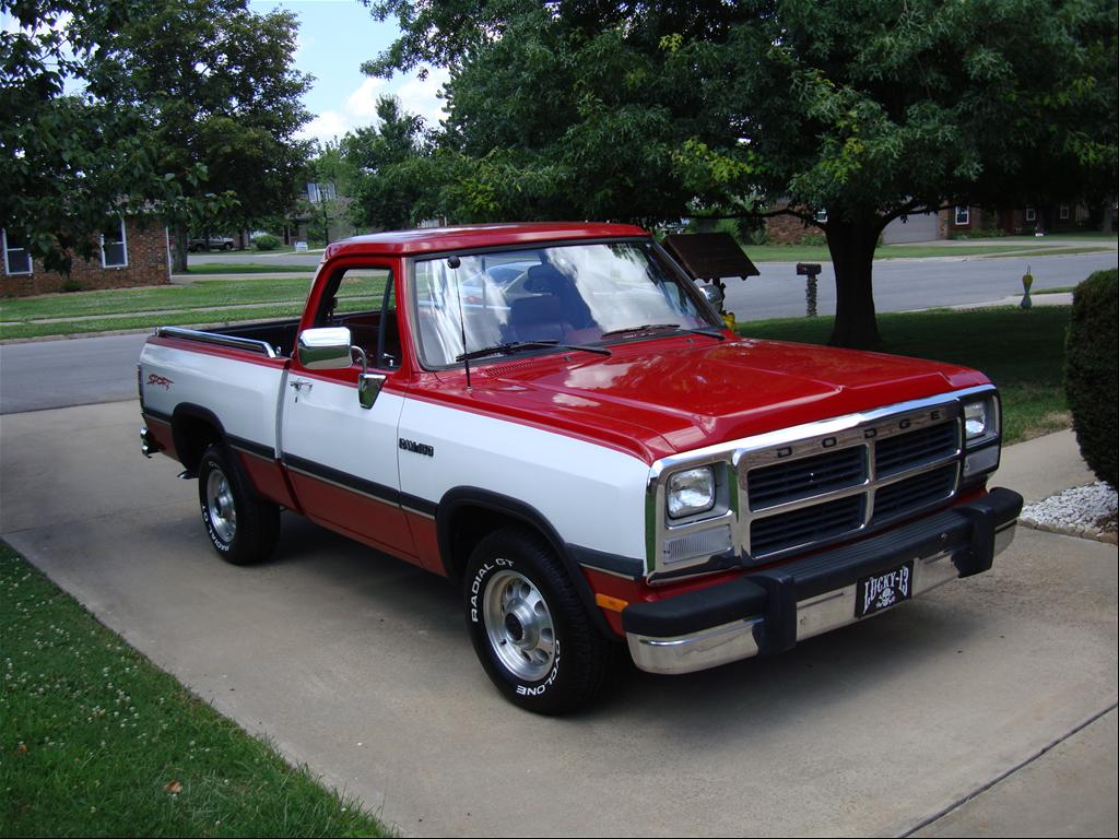 1990 dodge ram d150 submited images