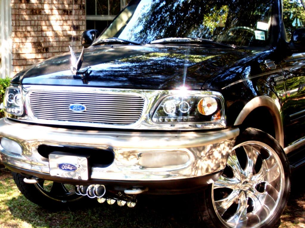 Coppa318 1997 Ford Expedition